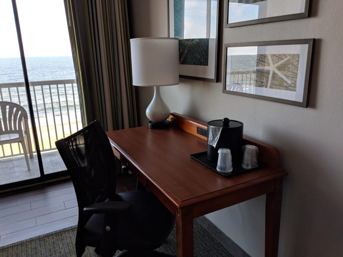Country Inn & Suites Virginia Beach has beautiful decorations