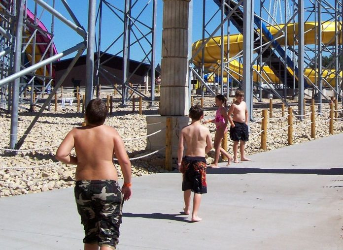 The list of the best Wisconsin Dells hotels with water park passes. This list includes Mt. Olympus, Great Wolf Lodge, Kalahari, Polynesian & more