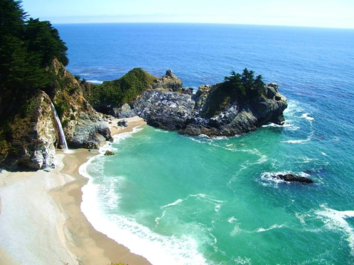 Planning a trip to Big Sur, California? Find out how to get the best deals for Big Sur luxury hotels.