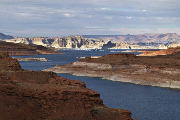 Save up to 27% off hotels in Lake Powell, Arizona