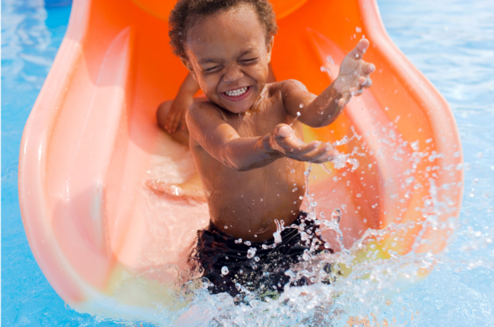Michigan hotels with water parks in Mackinaw, Grand Rapids