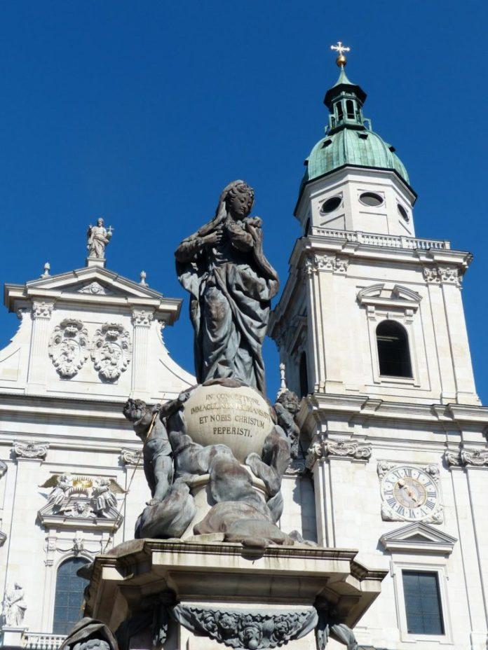Book popular Salzburg Austria tours together & save money