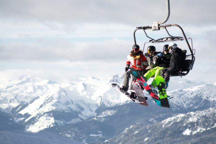 Best luxury resorts in Whistler BC enjoy snowboarding, skiing, etc.