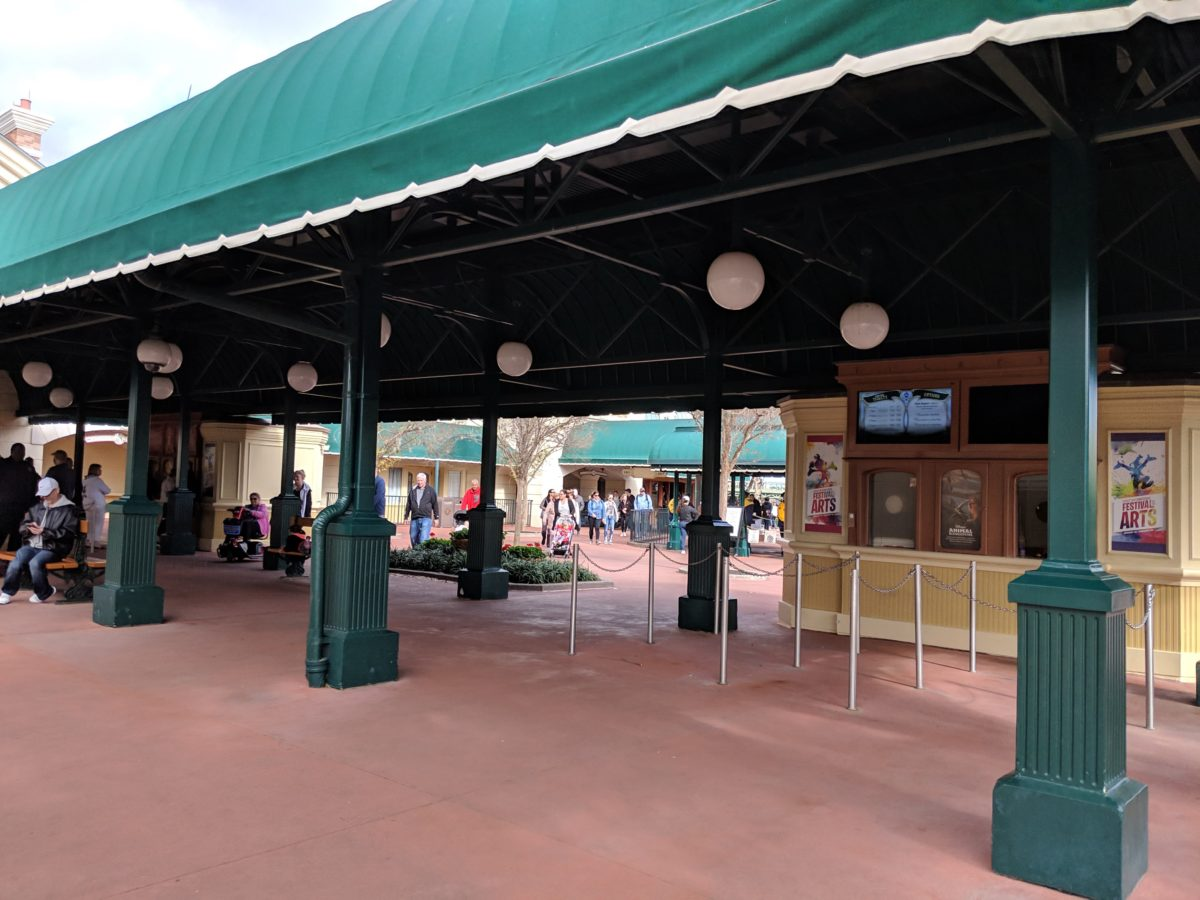 An advantage of staying at the Boardwalk hotel at Walt Disney World Resort is that you can walk to EPCOT & Hollywood Studios
