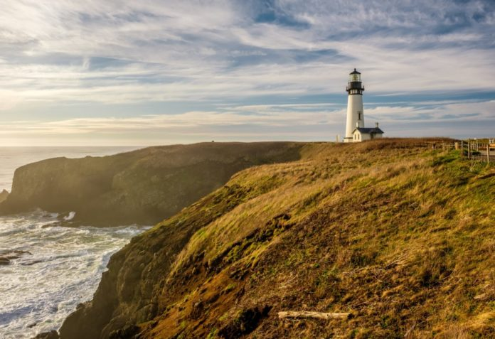 Get the lowest prices for the best hotels in Newport Oregon near the beach