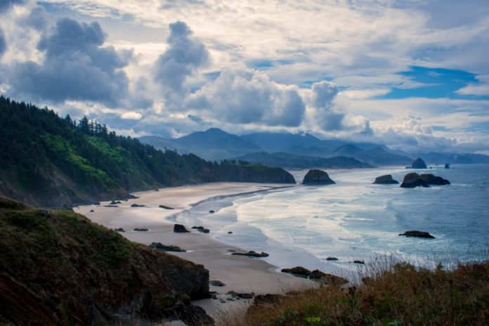 How to save money on hotels in Oregon: Seaside, Portland, Welches, Sunriver, etc.