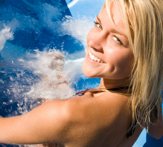 Pacific Northwest summer vacation deal. Discounted family season pass to Lake Chelan Waterpark
