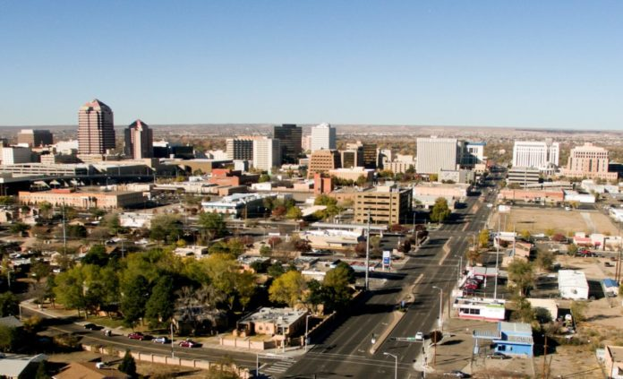 A picture of Albuquerque, New Mexico. Find out what the best luxury hotels are there & how you can get a good price for them