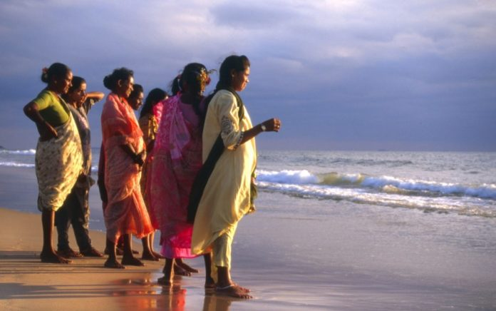 Picture of Calangute Beach in India. Find out how to book a hotel there at a discounted rate