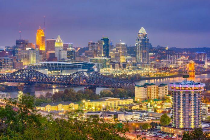 How to save money on luxury hotels in Cincinnati Ohio