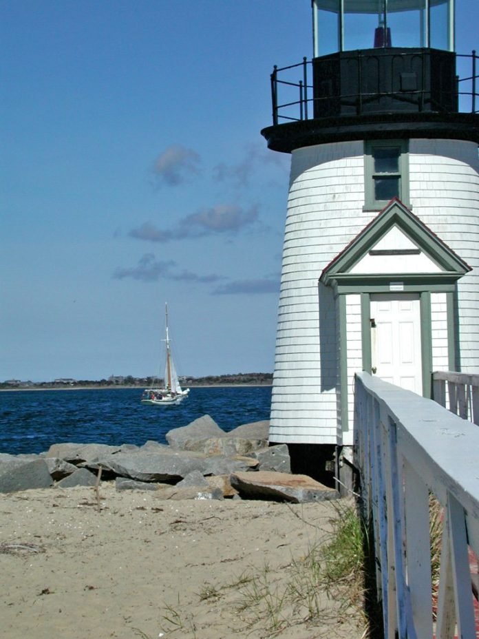 How to get the best prices for top luxury hotels in Nantucket Massachusetts