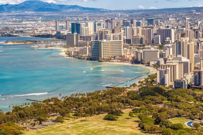 How to get the best luxury hotels in Waikiki Beach Hawaii for the lowest prices