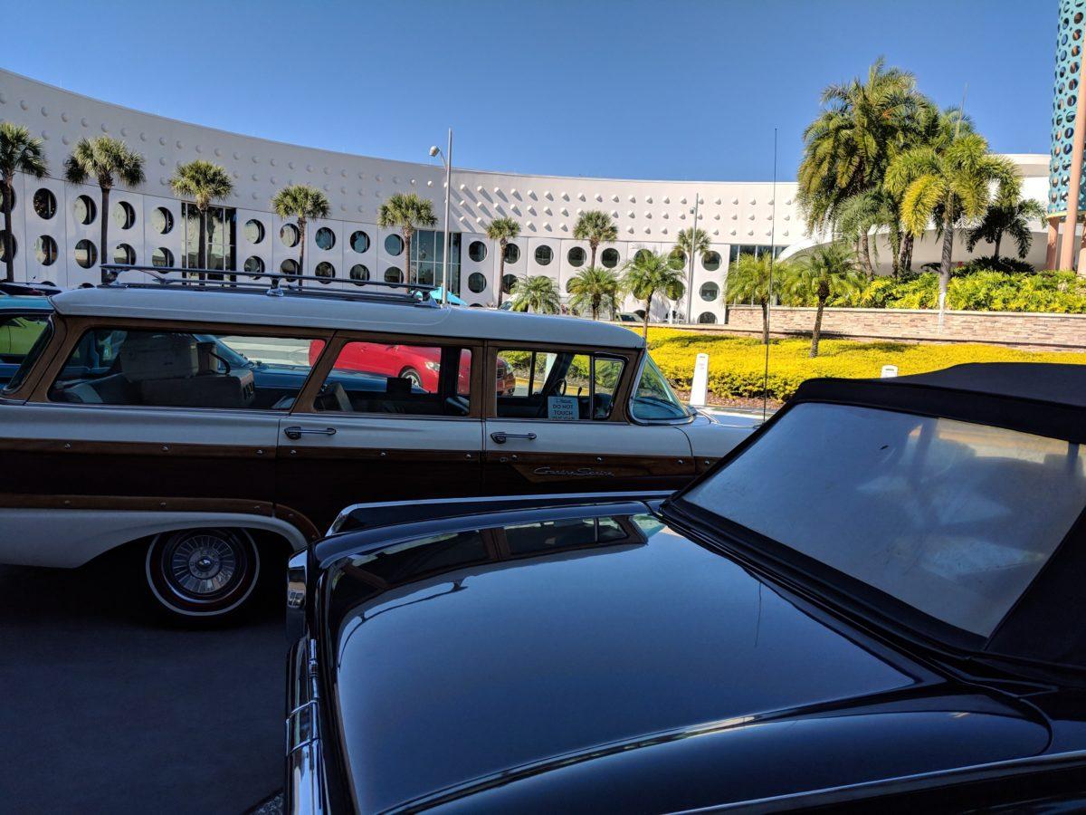 Cabana Bay Beach Resort at Universal Orlando has a great 1950s & 1960s theme