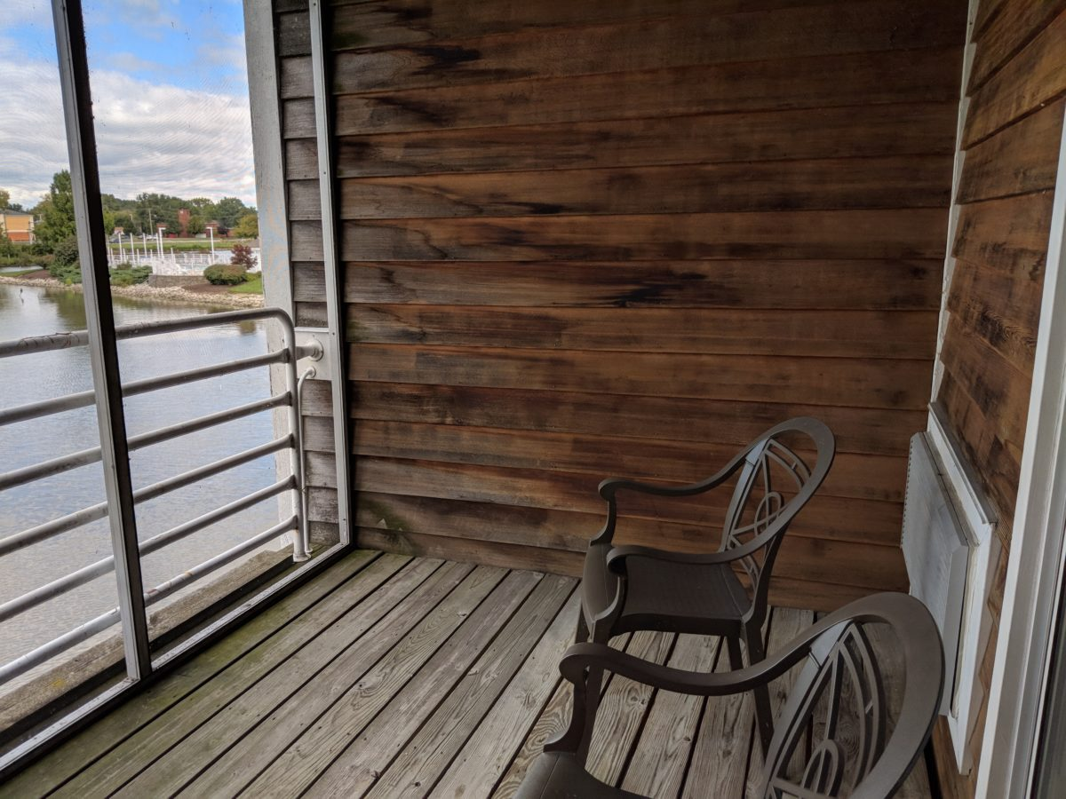 Enjoy waterfront views from your balcony at a family room or suite at Castaway Bay hotel in Sandusky Ohio