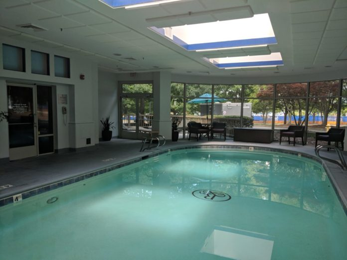 Find out what the best hotels are near Carowinds that have an indoor pool