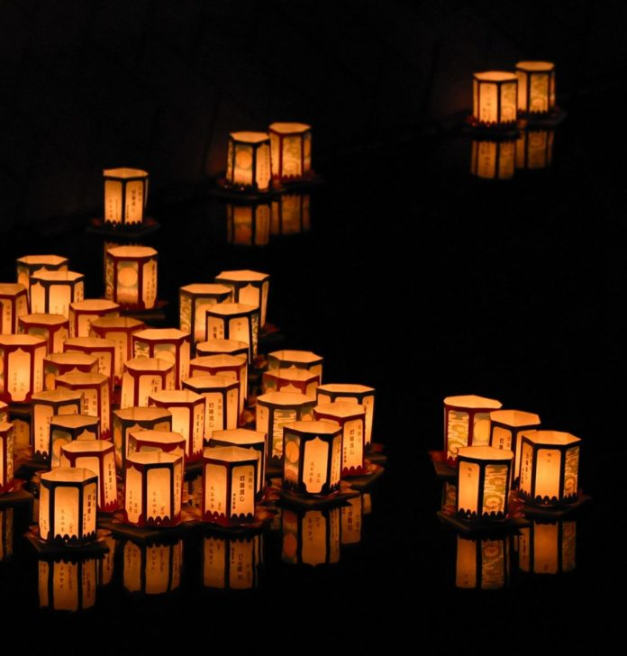How to save money on tickets to the Water Lantern Festival in Cincinnati Ohio