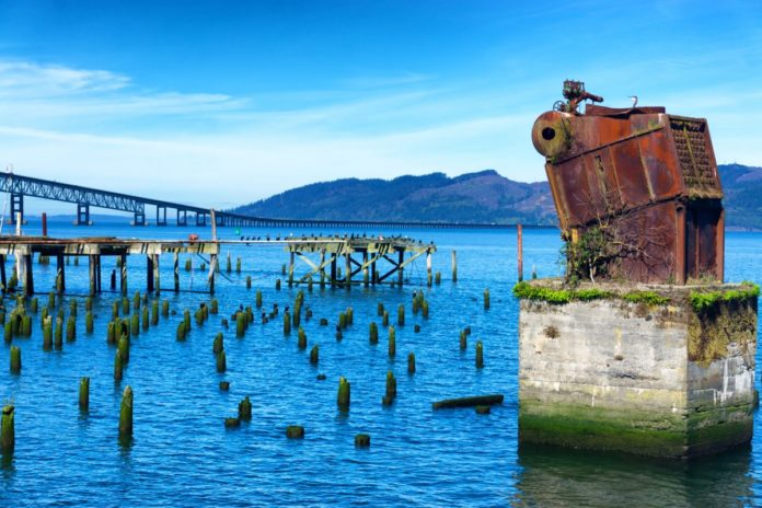 View of the Columbia River from the Astoria, Oregon waterfront. Find out how to get discounted hotels there