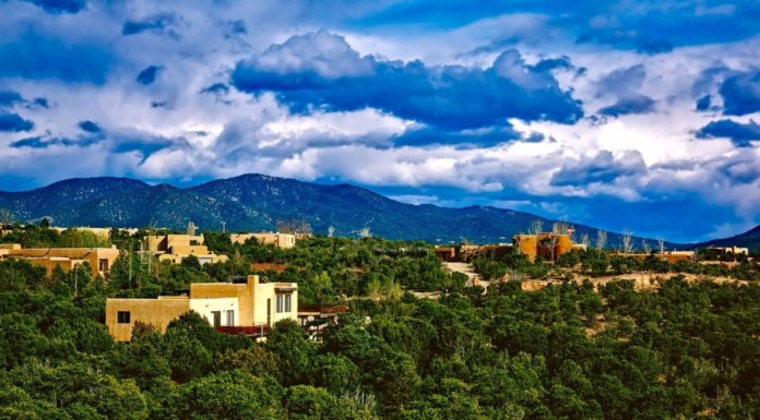 Guide to Santa Fe New Mexico luxury hotels: where to stay, how to save