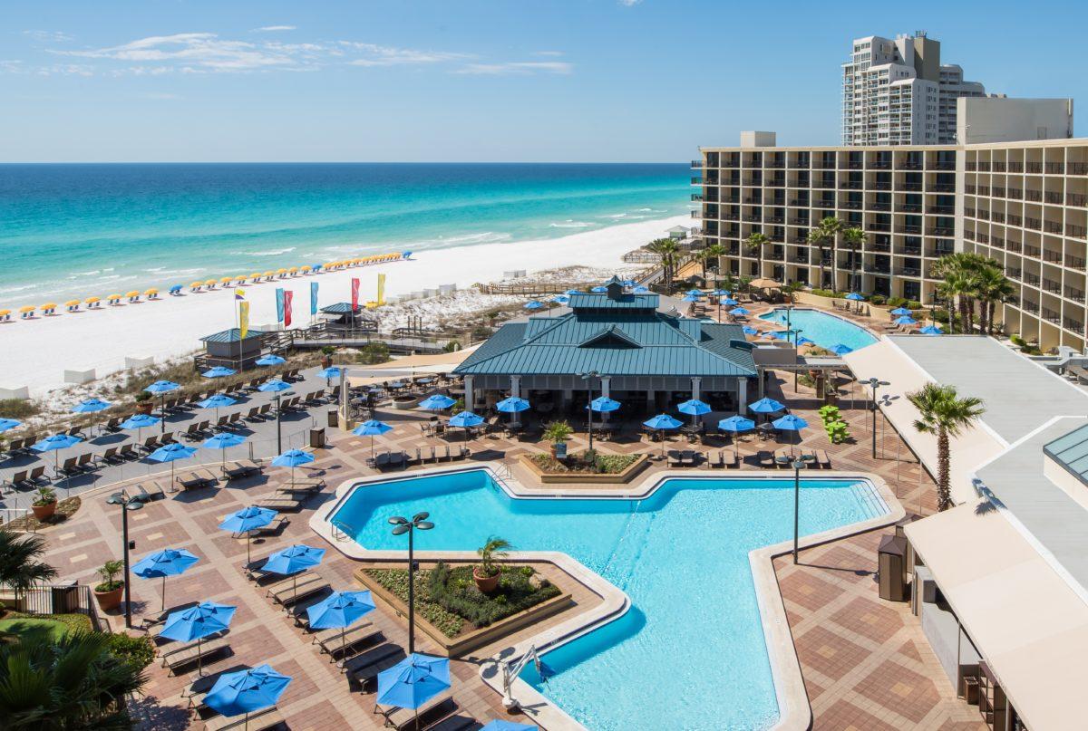 Enjoy a beach, pool & more at the Hilton Sandestin Beach Golf Resort & Spa in Florida