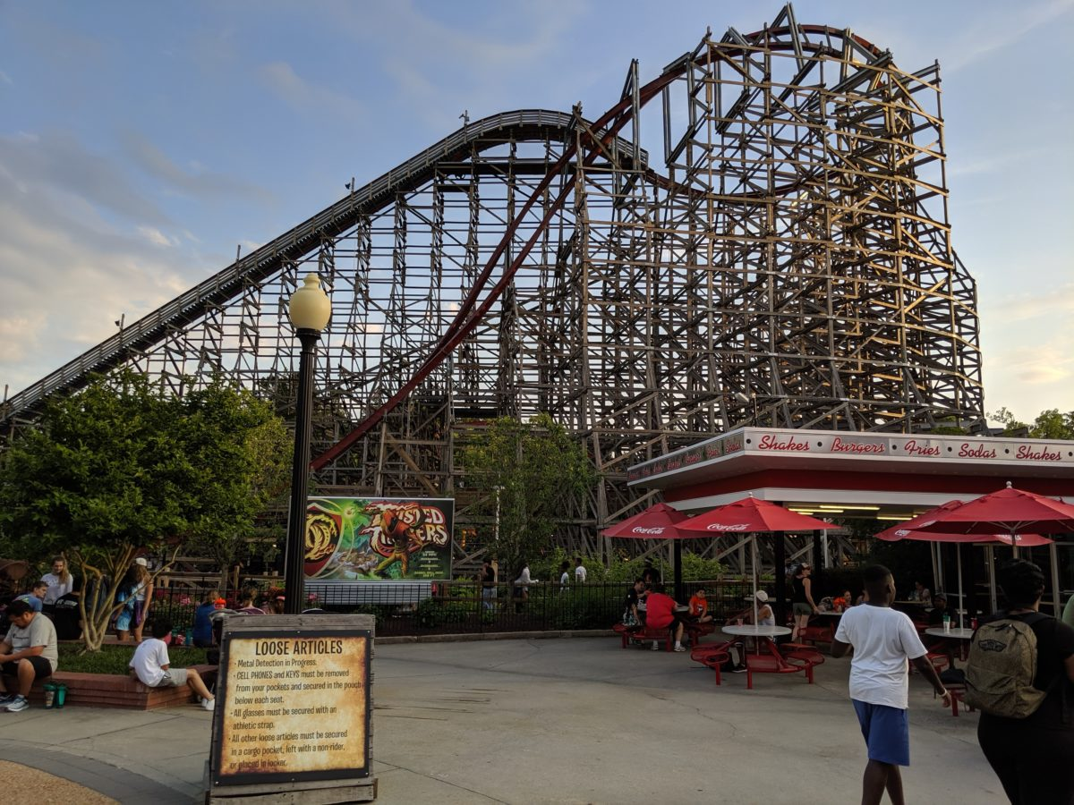A comparison of the roller coasters you can find in Southern Virginia theme parks Kings Dominion & Busch Gardens