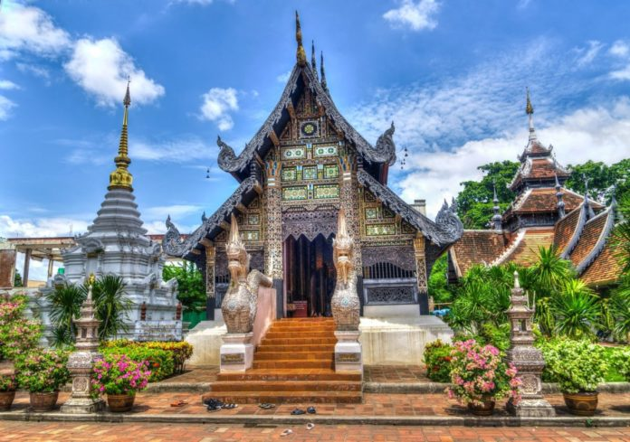 How to save money on Chiang Mai Thailand hotels less than $100/night