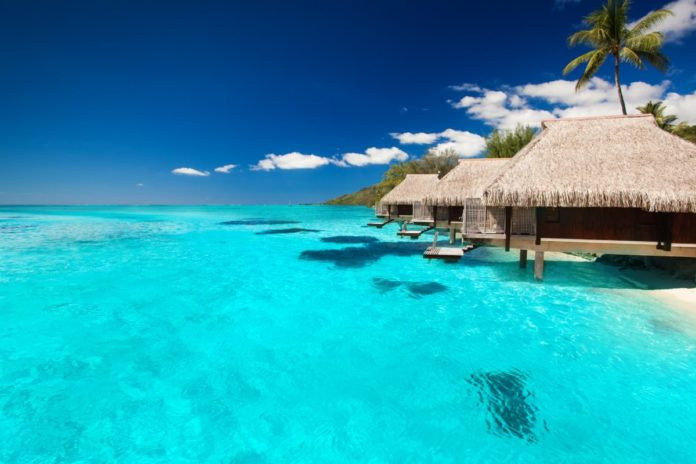 Book a dream honeymoon in the French Polynesia at an affordable rate with this honeymoon package that includes luxury accommodations & flight