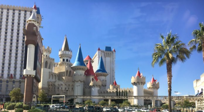 Book top casino resorts in Las Vegas for under $50/night with this great travel hack