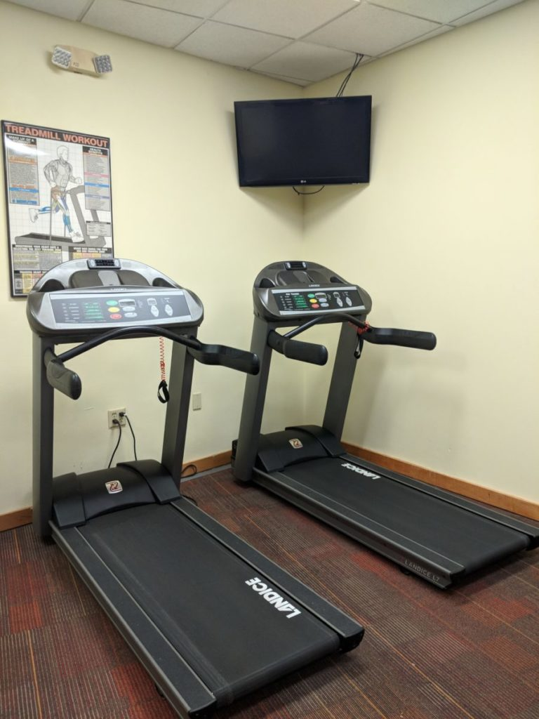 Best Western in Walt Disney World Resort in Orlando has a fitness center with treadmills & a TV you can watch while you can exercise