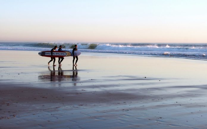 Find out how to get the best prices for the top Carcavelos Beach, Portugal hotels