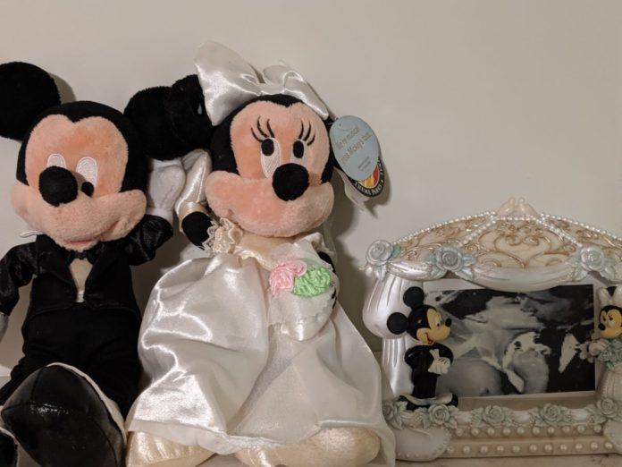 Disney couple (Mickey & Minnie, Rapunzel & Flynn, Beauty & Beast, Cinderella & Prince Charming, Aladdin & Jasmine, etc.) themed wedding gifts