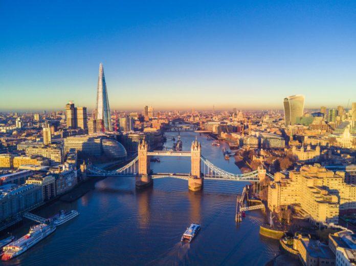 Discounted Hilton hotel stays in London (Hyde Park, Canary Wharf, Gatwick, Heathrow, Greenwich, Chelsea, etc.)