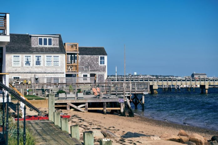 Find out what made our list of the best bed & breakfasts in Cape Cod, Massachusetts & how you can get a good deal there.