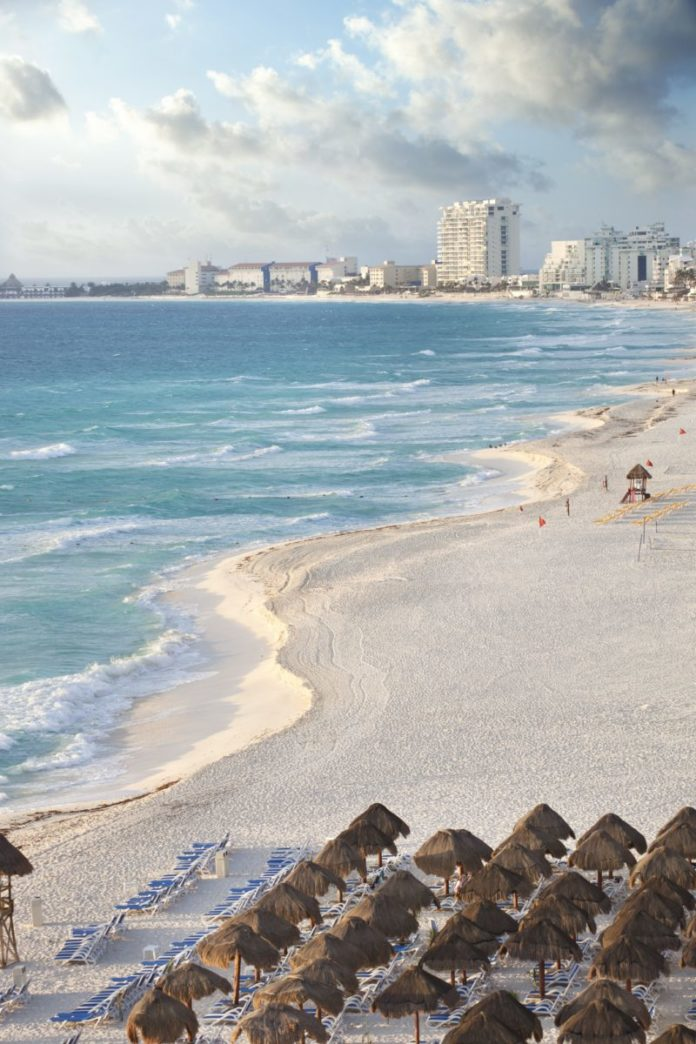 Save money by booking your flight from Chicago to Cancun along with your hotel