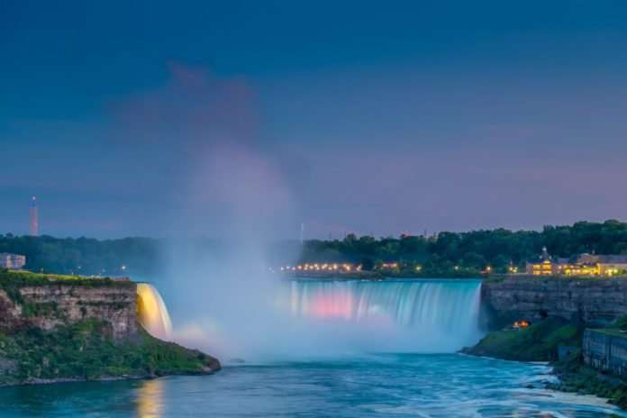 Find out how you can save money at Hilton Niagara Falls/Fallsview Hotel & Suites