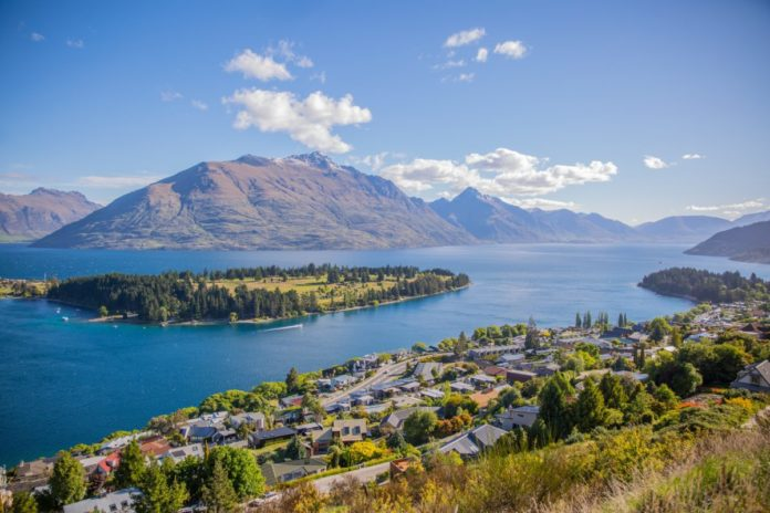 A beautiful picture of New Zealand. Find out how you can travel there for free